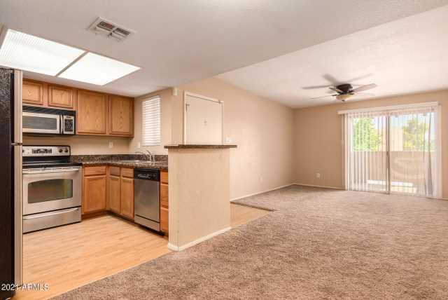 Photo of 5757 W EUGIE Avenue #2006, Glendale, AZ 85304