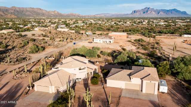 Photo of 1515 N CRISMON Road, Mesa, AZ 85207