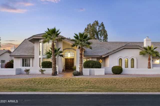 Photo of 6718 E CARON Drive, Paradise Valley, AZ 85253