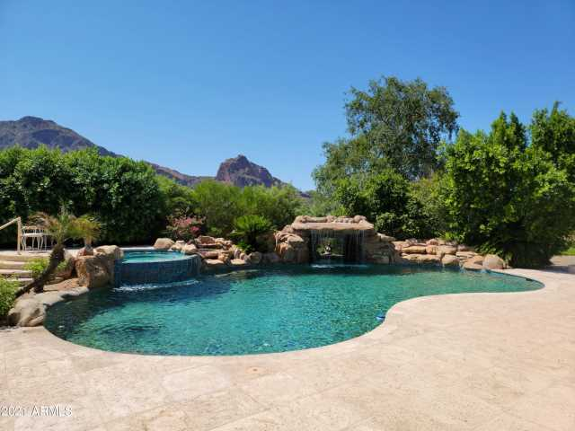 Photo of 6602 N LOST DUTCHMAN Drive, Paradise Valley, AZ 85253