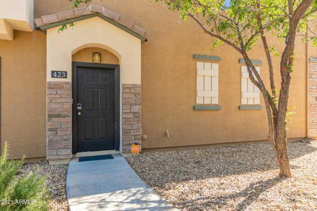 Photo of 423 N 168TH Drive, Goodyear, AZ 85338
