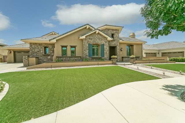 Photo of 2245 E CRESCENT Way, Gilbert, AZ 85298