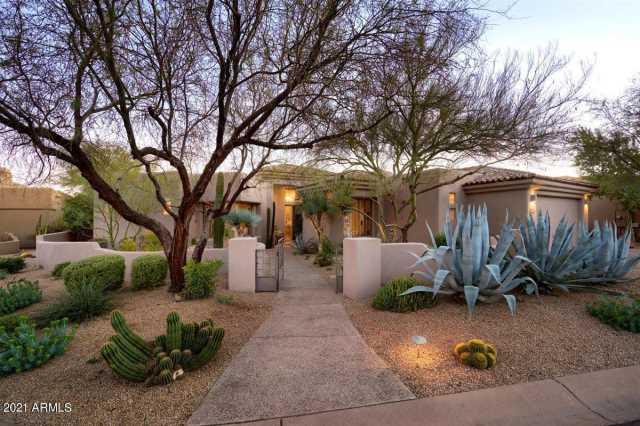 Photo of 10040 E HAPPY VALLEY Road #2031, Scottsdale, AZ 85255