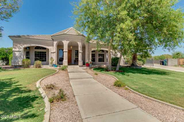 Photo of 3740 E NORTHRIDGE Circle, Mesa, AZ 85215