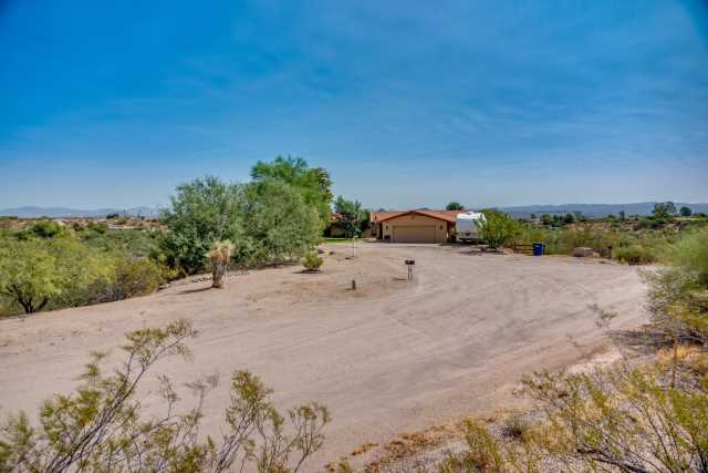 Photo of 1890 W RODERICK Lane, Wickenburg, AZ 85390