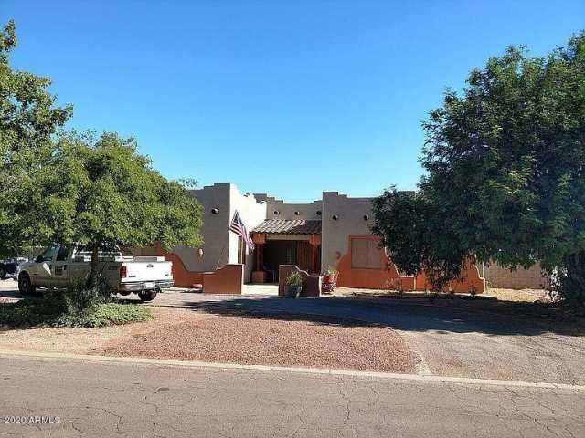 Photo of 10424 W EARLL Drive, Avondale, AZ 85392