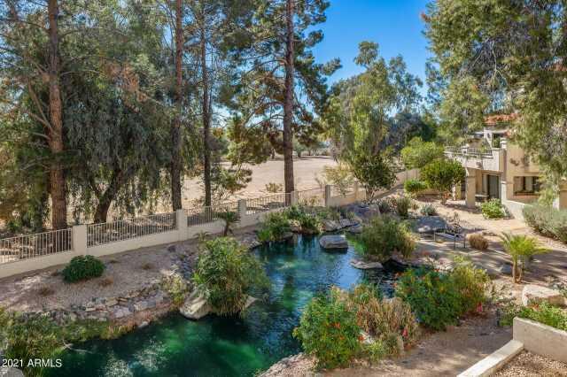 Photo of 10080 E MOUNTAINVIEW LAKE Drive #206, Scottsdale, AZ 85258