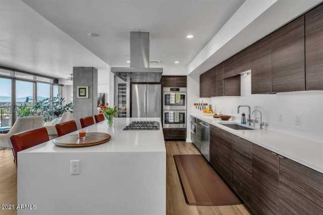 Photo of 200 W PORTLAND Street #1117, Phoenix, AZ 85003