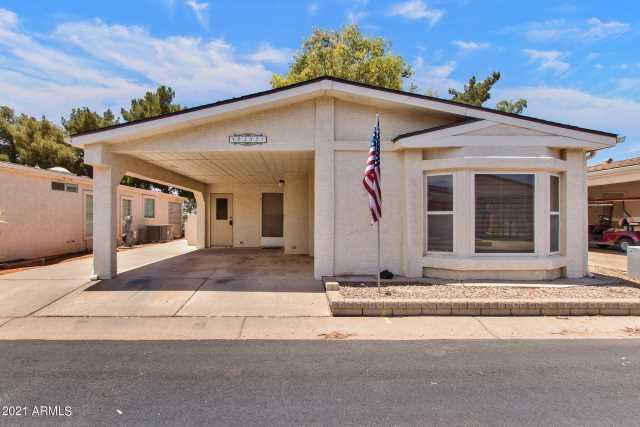 Photo of 6332 S OAKMONT Drive, Chandler, AZ 85249