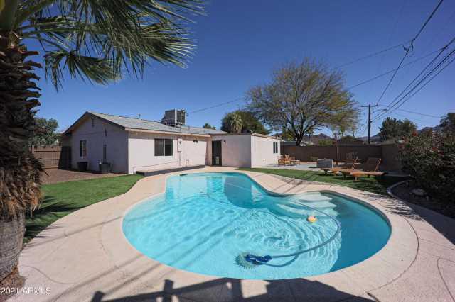 Photo of 301 E BUTLER Drive, Phoenix, AZ 85020