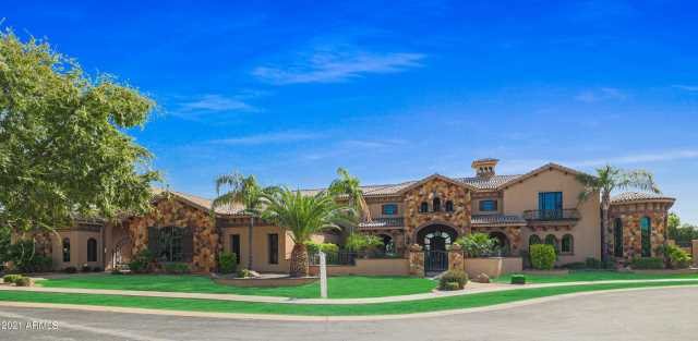Photo of 3813 E KENWOOD Street, Mesa, AZ 85215