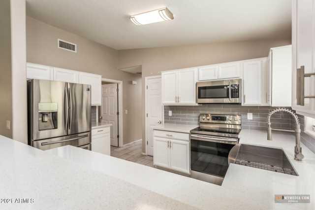 Photo of 43664 W MAGNOLIA Road, Maricopa, AZ 85138