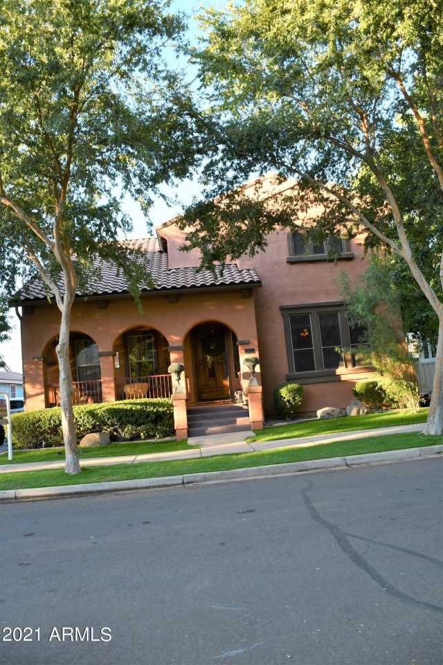 Photo of 2992 E CAMELLIA Drive, Gilbert, AZ 85296