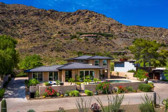 Photo of 5434 E LINCOLN Drive #77, Paradise Valley, AZ 85253