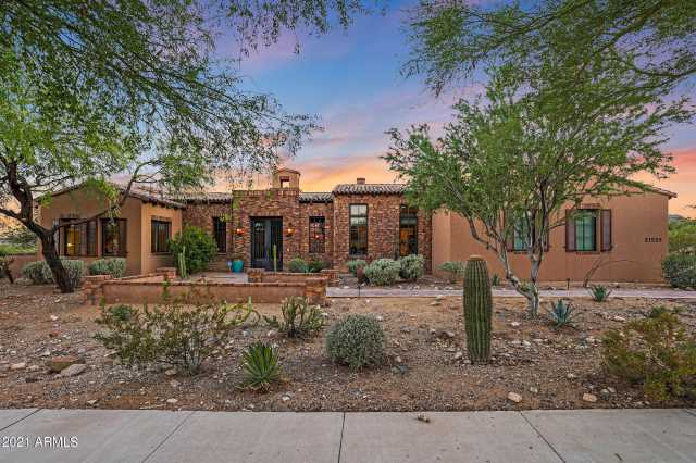 Photo of 21529 W HIGHLANDS Drive, Buckeye, AZ 85396