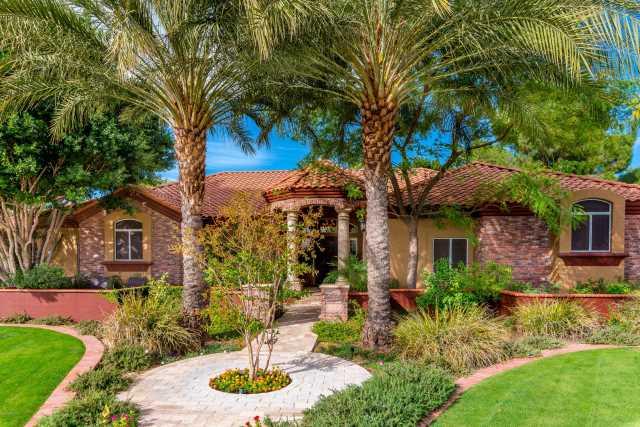 Photo of 3122 E ENROSE Circle, Mesa, AZ 85213