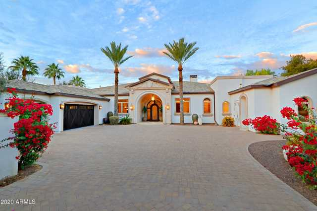 Photo of 9116 N FOOTHILLS MANOR Drive, Paradise Valley, AZ 85253
