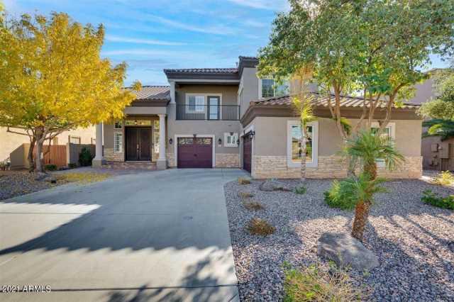 Photo of 949 E CHERRYWOOD Place, Chandler, AZ 85249
