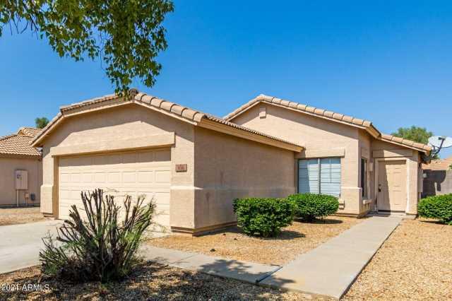 Photo of 936 E MONTELEONE Street, San Tan Valley, AZ 85140