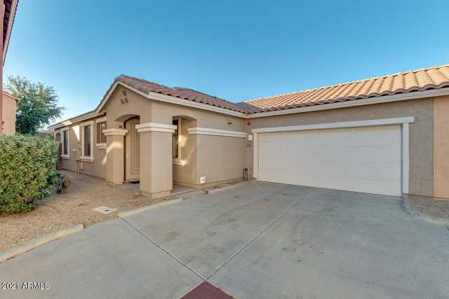 Photo of 886 E DEVON Road, Gilbert, AZ 85296