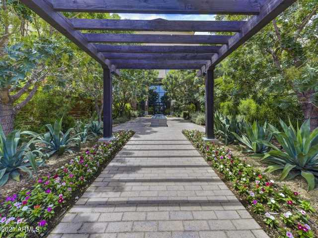 Photo of 6166 N SCOTTSDALE Road #A3002, Paradise Valley, AZ 85253