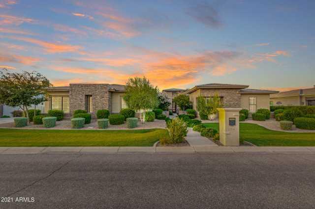 Photo of 2754 E KINGBIRD Drive, Gilbert, AZ 85297
