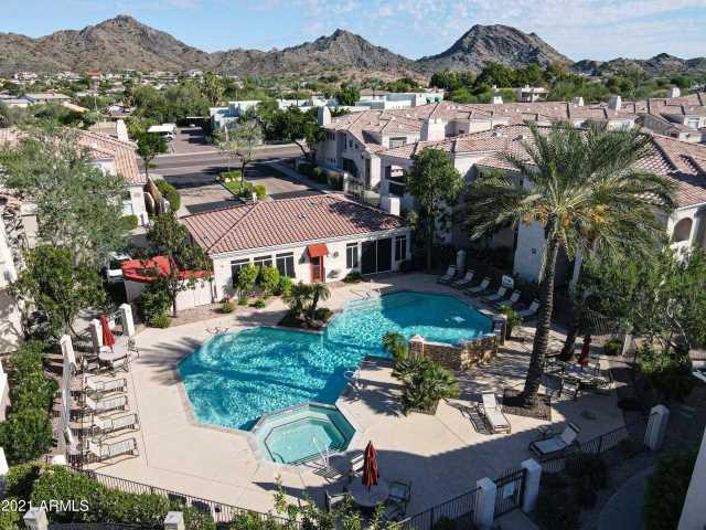 Photo of 1747 E NORTHERN Avenue #213, Phoenix, AZ 85020