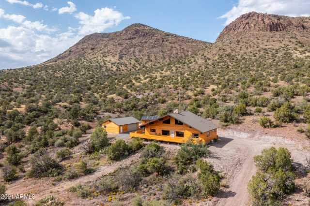 Photo of 18723 S KNIGHT CREEK Road, Kingman, AZ 86401