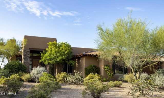 Photo of 9939 E FORGOTTEN HILLS Drive, Scottsdale, AZ 85262