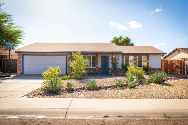 Photo of 8521 W LAWRENCE Lane, Peoria, AZ 85345