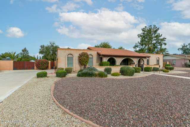 Photo of 7608 W JOHN CABOT Road, Glendale, AZ 85308