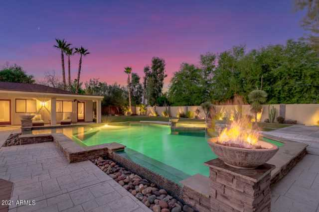 Photo of 8031 N 12TH Avenue, Phoenix, AZ 85021