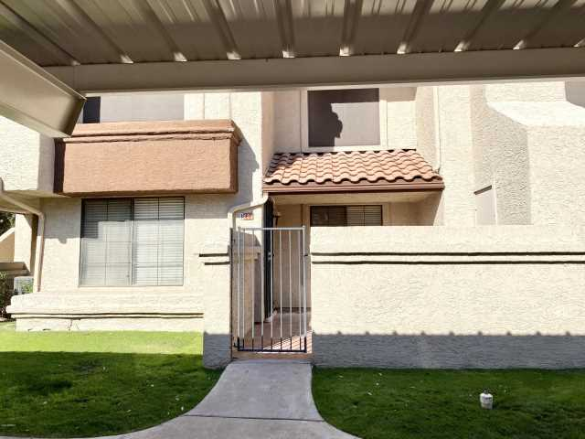 Photo of 818 S WESTWOOD Drive #106, Mesa, AZ 85210