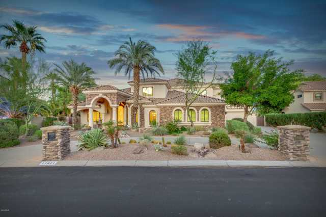 Photo of 11821 S TUZIGOOT Court, Phoenix, AZ 85044