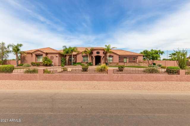 Photo of 3120 W OBERLIN Way, Phoenix, AZ 85083