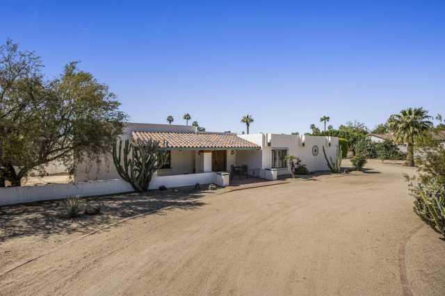 Photo of 105 E BIRD Lane, Litchfield Park, AZ 85340