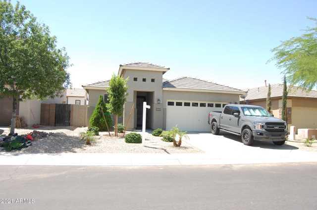 Photo of 18045 W SUNNYSLOPE Lane, Waddell, AZ 85355