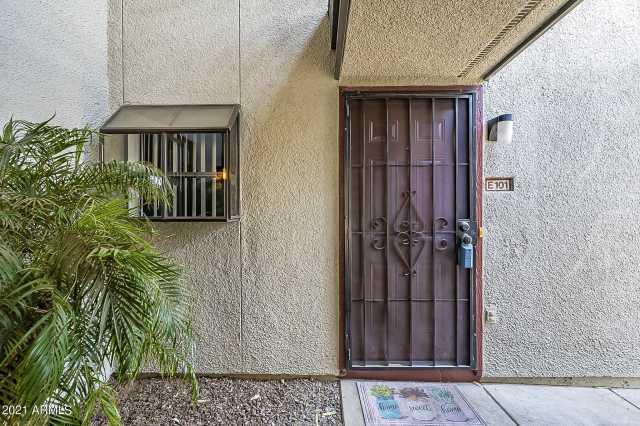 Photo of 3330 W DANBURY Drive #E101, Phoenix, AZ 85053