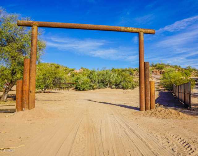 Photo of 30080 US Highway 60/89 Lot 4 --, Wickenburg, AZ 85390