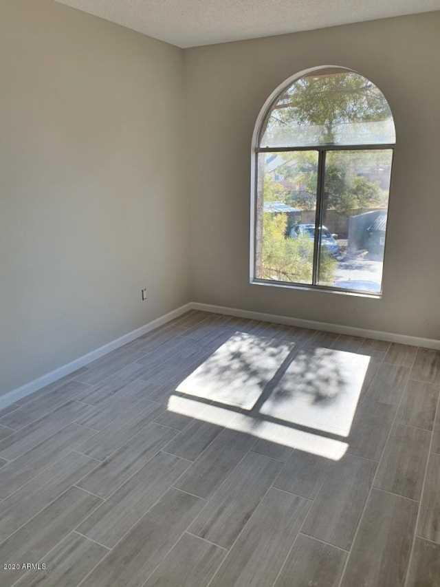 Photo of 10610 S 48TH Street #2091, Phoenix, AZ 85044