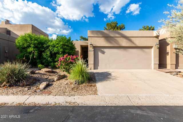 Photo of 3034 E STELLA Lane, Phoenix, AZ 85016