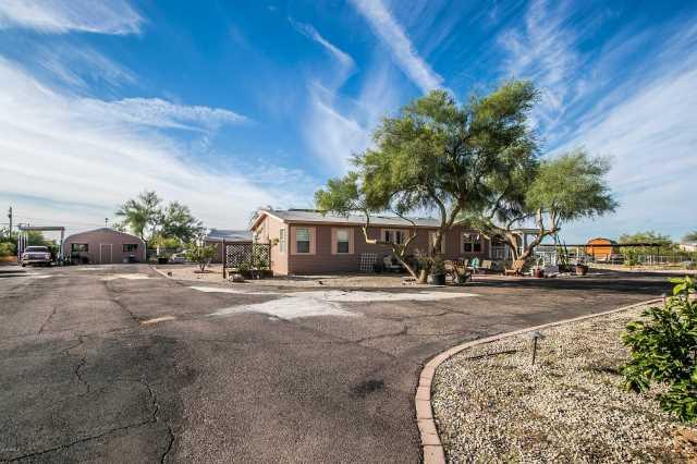 Photo of 527 W Lost Dutchman Boulevard, Apache Junction, AZ 85120