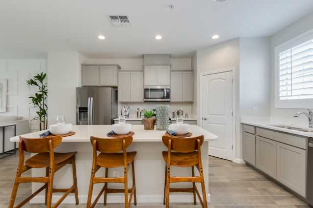 Photo of 1255 N ARIZONA Avenue #1031, Chandler, AZ 85225