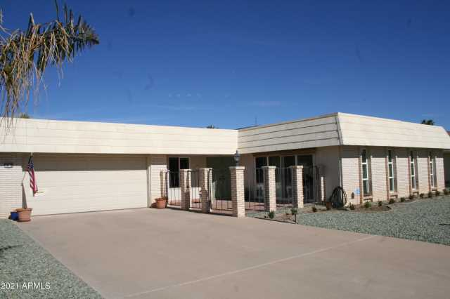 Photo of 10118 W BROOKSIDE Drive, Sun City, AZ 85351