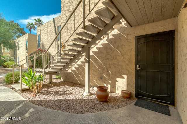 Photo of 4950 N MILLER Road #104, Scottsdale, AZ 85251