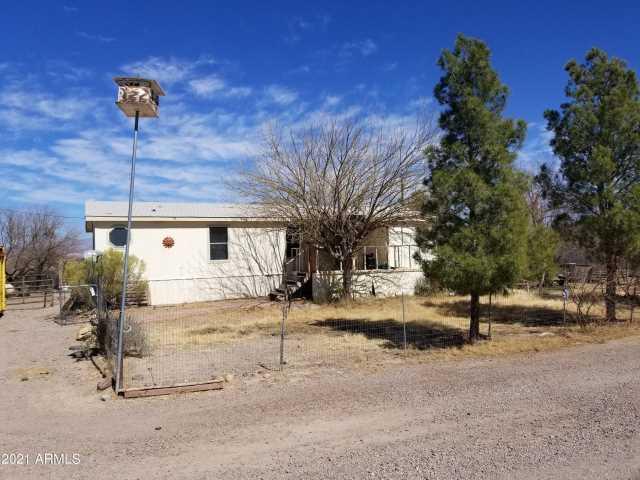 Photo of 1590 E SPARKY Lane, Safford, AZ 85546
