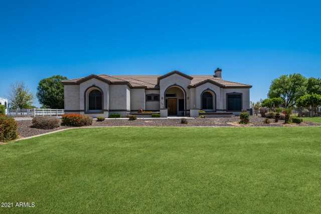 Photo of 7226 N PERRYVILLE Road, Waddell, AZ 85355