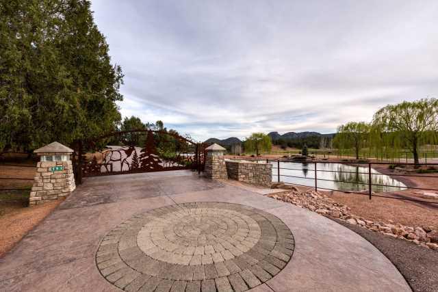 Photo of 191 WHITE Drive, Payson, AZ 85541