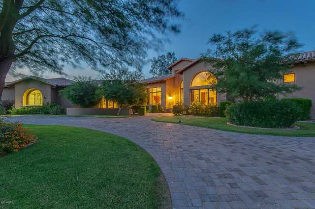 Photo of 5340 E VIA LOS CABALLOS --, Paradise Valley, AZ 85253