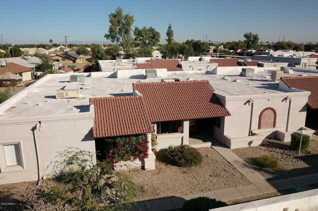 Photo of 10815 W NORTHERN Avenue #122, Glendale, AZ 85307